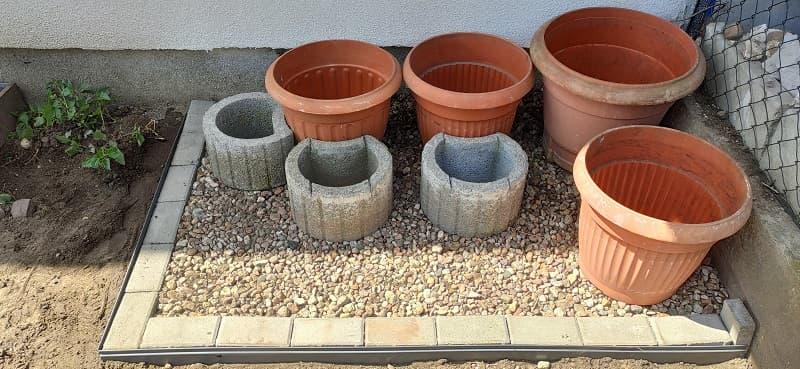Ogród warzywny pod balkonem po zmianach